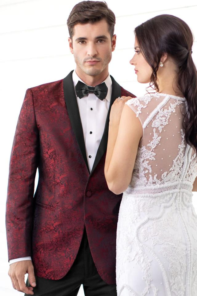Mark of Distinction Apple Red Paisley Aries Slim Fit Tuxedo